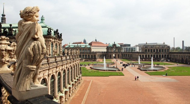 Palace of Dresden, every where you can still see the wounds of WW-2 (look at the deep black parts..)